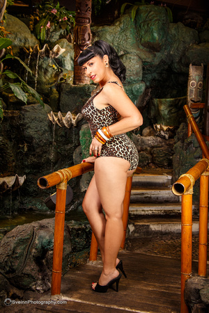 Sveinn Photography Pinup at the Mai Kai